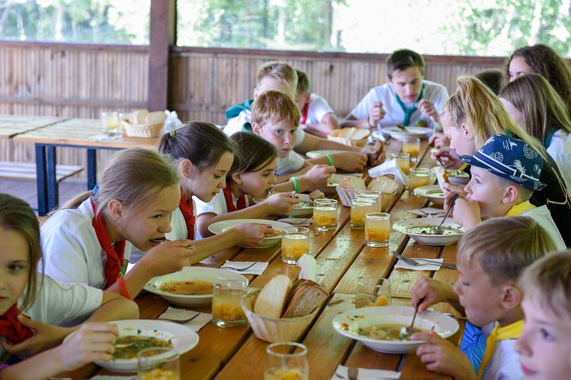 Питание в летней столовой